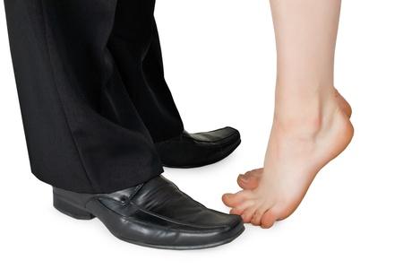 Pies besando a un hombre y una mujer desnuda aislados en blanco Foto de archivo - 8498789