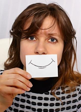 Müde Frau lächelt, als könnte - portrait close up Standard-Bild - 11438847