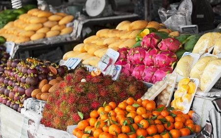 bad color: Fresh fruit on the shelves of the Thai market