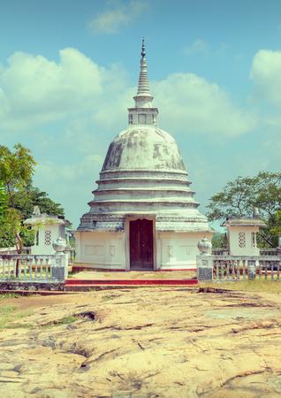 Avukana dagoba. Kekirawa, Sri Lanka.