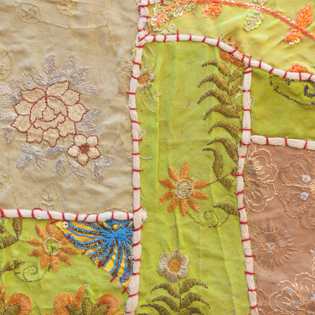ヴィンテージ ハンドメイド カラフルなタペストリーの背景。ジャイサル メール、ラジャスタン、インド。