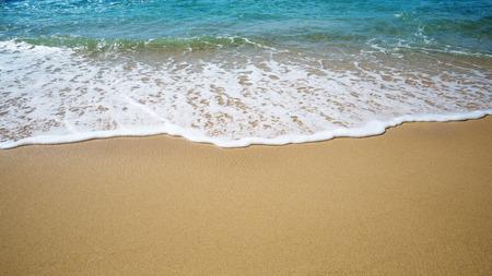 Die Gezeitenlinie am Strand Standard-Bild - 87325536