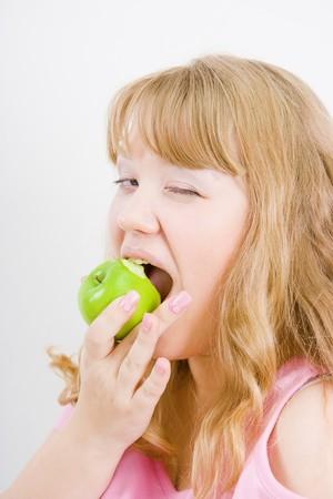 gladly: Rubio morder con mucho gusto la verde manzana �cida