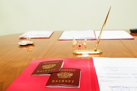 Table marriage with Russian passports photo