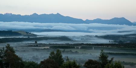 anau: Sunrise in Te Anau, New Zealand, Southern Island.