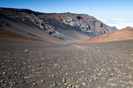 Rosa Hügel in Haleakala National Park, Maui, Hawaii. Standard-Bild - 39489104