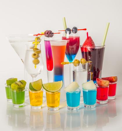 Bunte Getränke, Farbgetränk Verziert Mit Obst, Sonnenbrille, Trinken ...