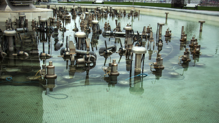 Disconnected fountain, equipment for a musical fountain in the water