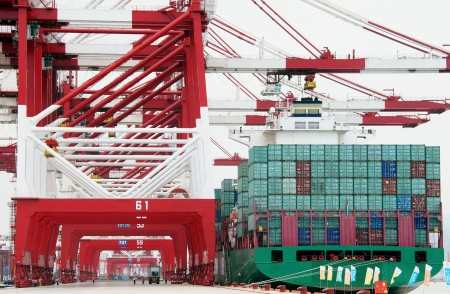 discharge: China Qingdao Port Container Terminal,The world