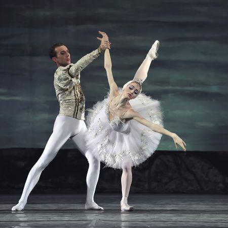 swan lake: Russian royal ballet perform Swan Lake ballet at Jinsha theatre December 24, 2008 in Chengdu, China.