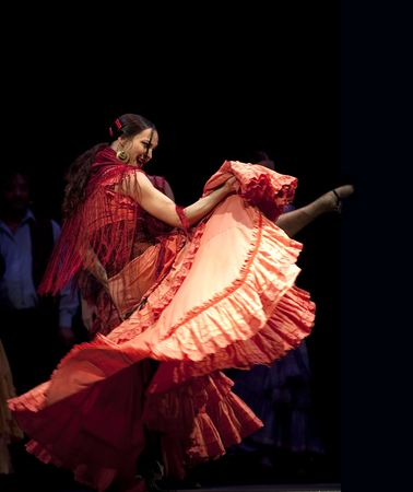 zigeunerin: CHENGDU - DEC 28: Das Ballettensemble der spanischen Rafael Aguilar(Ballet Teatro Espanol de Rafael Aguilar) ausf�hren die beste Flamenco-Tanzdrama
