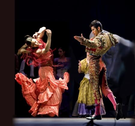 matador: CHENGDU - 28 DEC: The beste Flamenco dans Drama Carmen, uitgevoerd door het Ballet gezelschap van de Spaanse Rafael Aguilar(The Ballet Teatro Espanol de Rafael Aguilar) in JINCHENG theater 28 DEC 2008 in Chengdu, China.