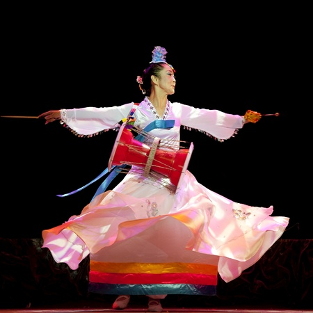 traditional dress: CHENGDU - SEP 28: Korean ethnic dance in the 6th Sichuan minority nationality culture festival at JINJIANG theater.Sep 28,2010 in Chengdu, China.