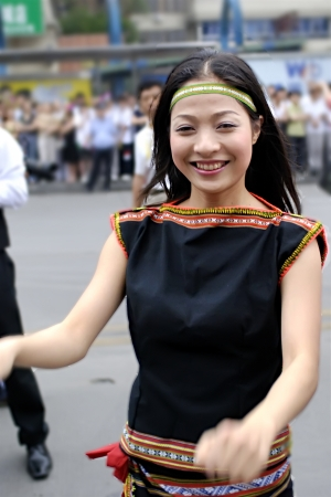 folk heritage: CHENGDU - MAY 23: Vietnamese artist perform folk dance in the 1st International Festival of the Intangible Cultural Heritage China,2007 on May 23, 2007 in Chengdu, China.