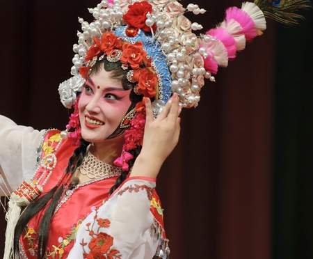 china art: pretty chinese opera actress