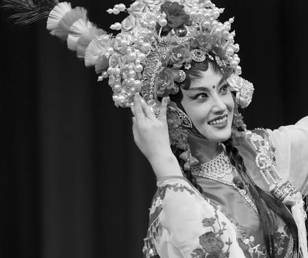 customary: pretty chinese traditional opera actress
