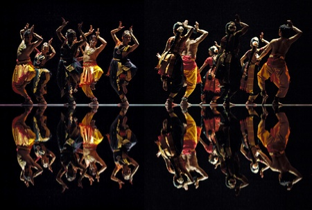CHENGDU - OCT 24: Indian dancers perform folk dance onstage at JINCHENG theater during the festival of India in china on Oct 24,2010 in Chengdu, China. Stock Photo - 11867401