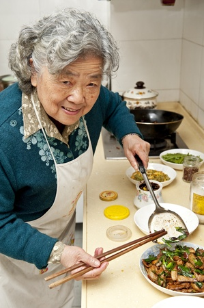 cooking grandmother Banque d'images