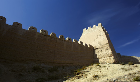 inhospitable: The Great Wall in the Gobi Desert in Jiayuguan city china Stock Photo