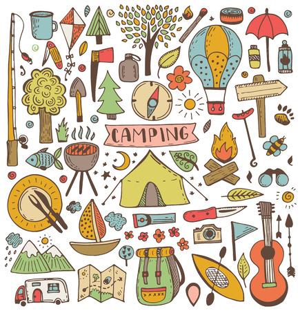 キャンプの落書きのセット。ベクター スケッチ イラスト。旅行やキャンプの項目。