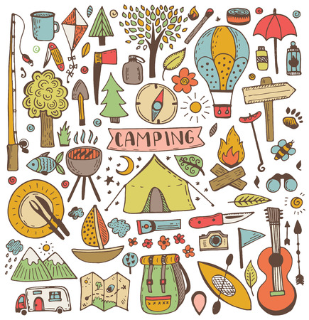 낙서 세트 캠핑. 벡터 스케치 그림입니다. 여행 및 캠핑 아이템.