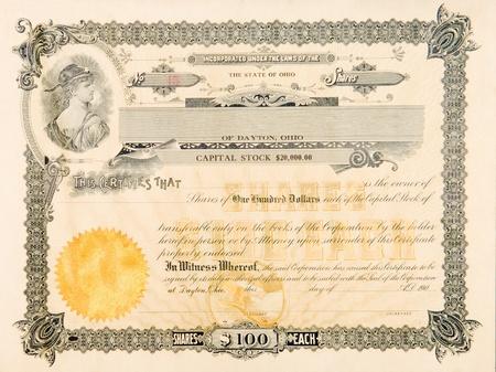 stock certificate: Certificado de acciones a partir de Ohio, la compa��a de EE.UU. public� en 1904. La vi�eta en la parte superior izquierda tiene una mujer joven mirando sobre su hombro con una estrella en la frente.