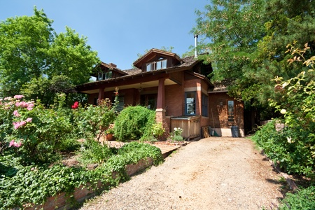 driveways: Single Family Home with Garden in Santa Fe