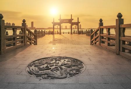 Un famoso puente antiguo con una larga historia en Suzhou, China