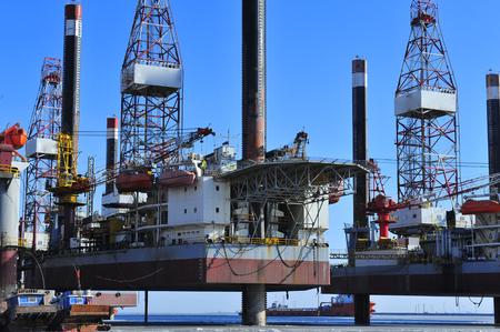 drilling platform: Offshore drilling platform