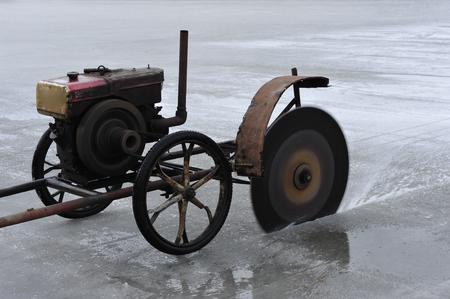 accumulation: accumulation of ice work