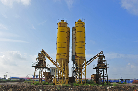 the mixing: Cement mixing silo Stock Photo