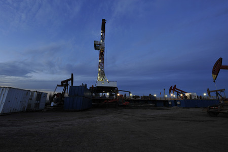 oil and gas industry: Oil Pump at night