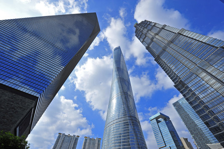 Wolkenkratzer des Weltfinanzzentrums von Shanghai in der Lujiazui-Gruppe