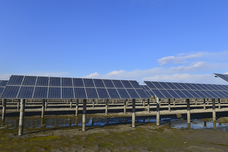 Solar panels with green energy Banque d'images