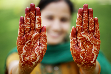colorant: Beautiful hands with henna design