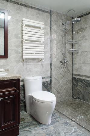 Baño Foto de archivo - 82237827