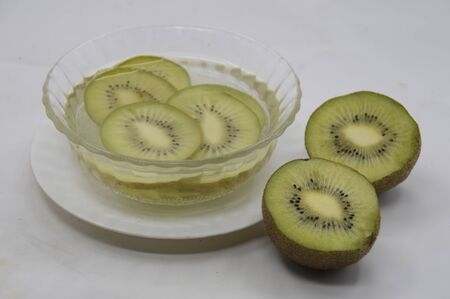 fruitage: Kiwi