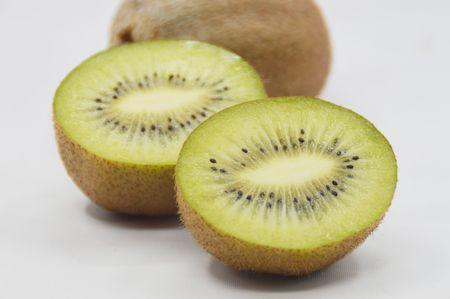 actinidia deliciosa: Closeup of kiwi fruit