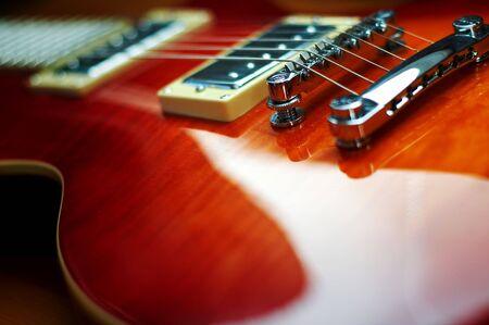 fret: electric guitar