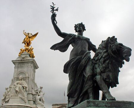 Two Statues in London, UK. Banque d'images