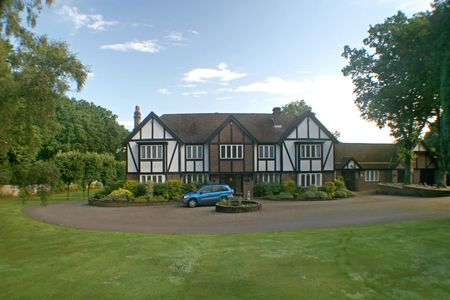 A Large Estate home, tudor style, in the UK Banque d'images