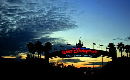 31st: ORLANDO, FLORIDA - January 31st 2007 - Sunset at the Entrance of Walt Disney World