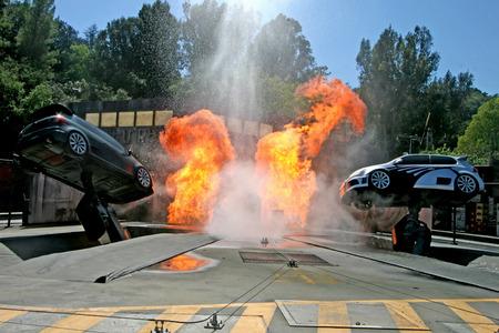 ユニバーサルシティ、カリフォルニア州 - 2009 年 9 月 18 日 - 高速・ ワイルド: ユニバーサル ・ スタジオ ・ ハリウッド トラムツアーの極端なクロー 報道画像