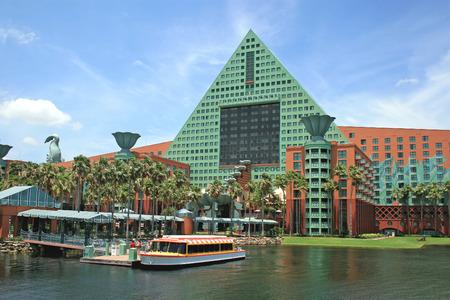 ORLANDO, FLORIDA - May 21, 2008 - The Walt Disney World Dolphin Hotel with one of the Friendship Boats docked. Sajtókép