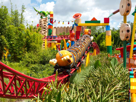 ORLANDO, FLORIDA – July 1st, 2018 – Slinky Dog Dash in Toy Story Land in Hollywood Studios, Walt Disney World, grand opening June 30th 2018. Éditoriale
