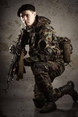 soldiers up in arms Zdjęcie Seryjne - 24881487