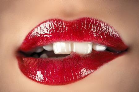 labios sensuales: sensuales labios closeup Foto de archivo