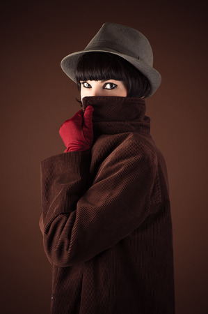 disguised: woman detective disguised face