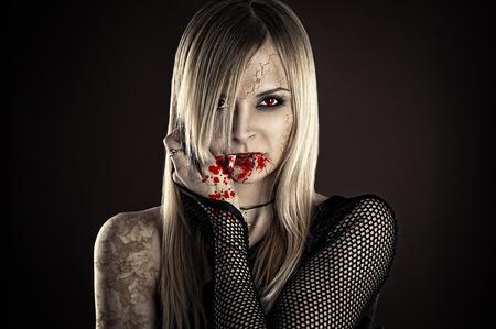 schöne sexy Vampirfrau