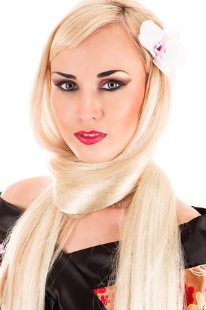 vrouw blond: mooie langharige blonde vrouw geïsoleerd op wit